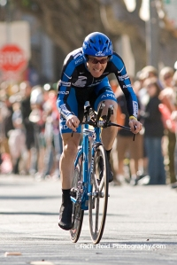 Levi Leipheimer cycling to his victory up Lombard Street during the prologue stage of the 2006 Tour of California in San Francisco, California.